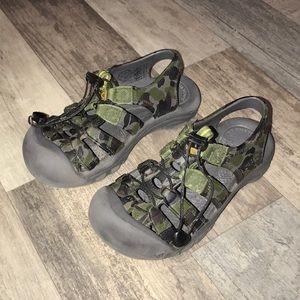c6d51153f46c Keen Shoes - Boys keen camo sunport sandals (2)